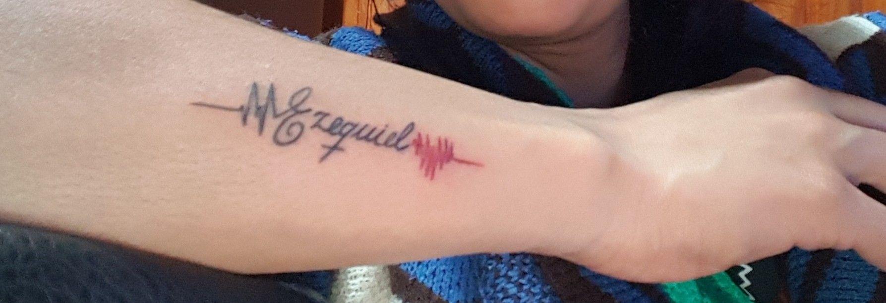 Tatuaje Nombre Lineas Corazon Tatuajes De Nombres Tatuajes