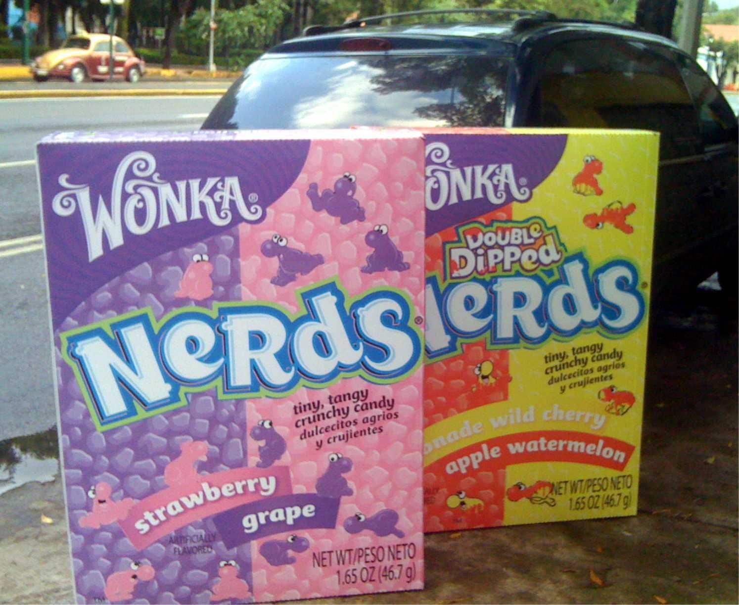 Cajad Nerds-Wonka a escala.