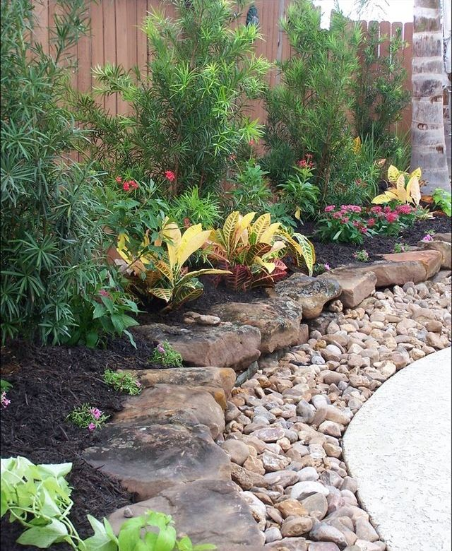 Layered Rock Border ~ This Really Looks Attractive As A Border For A  Flowerbed. On The Way To Side Yard