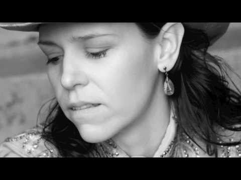 Gillian Welch and David Rawlings - Orphan Girl (live) My doggies ...