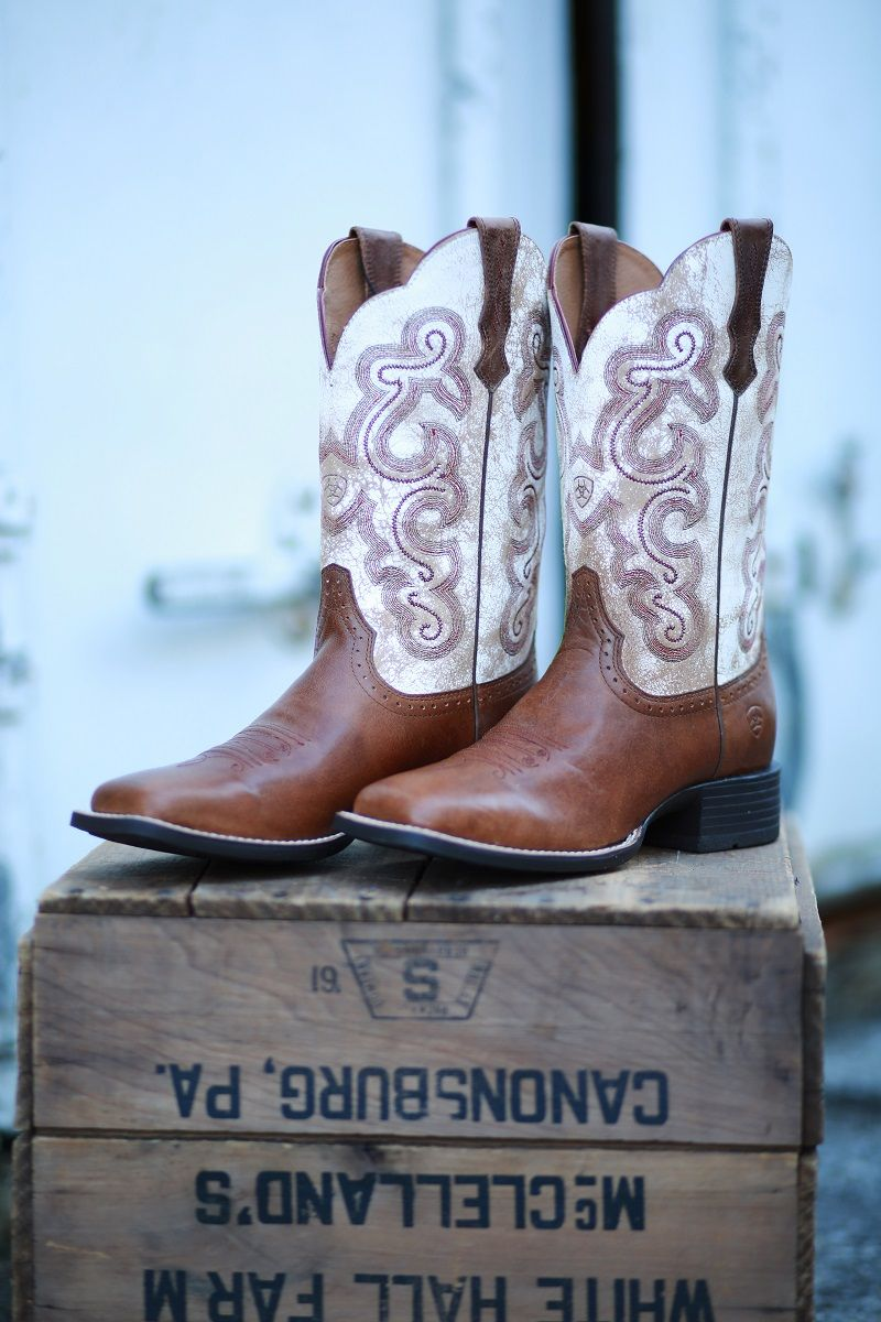e4ec0cc0d57 Ariat's western boots set the pace of the western lifestyle. Ariat ...