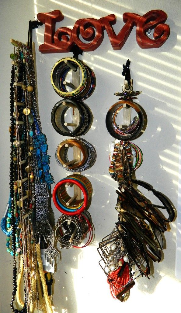 Clever DIY Jewelry Organizer using items from the dollar store