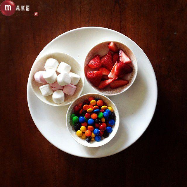 Fruta nubes y M&M's