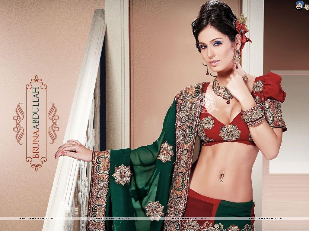 Bruna abdullah hot back bruna abdullah in short dress bruna abdullah - Bruna Abdullah Hot Hd Wallpaper 4