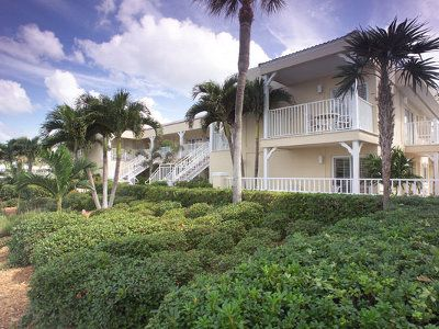 Inn At The Beach Is A 49 Room Beachside Hotel Retreat Located In Venice Florida Offering One And Two Bedroom Beachview Deluxe Guest Rooms