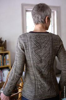 Leaving cardigan or pullover