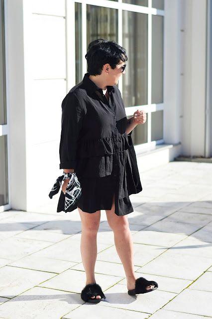 Czarna Sukienka Z Falbanami Zara Koszulowa Sukienka Fashion Dresses High Neck Dress