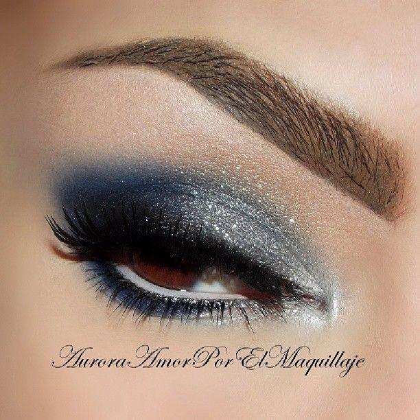Blue Night Silver Grey Glitter Navy Blue Outer Half Smokey Eye