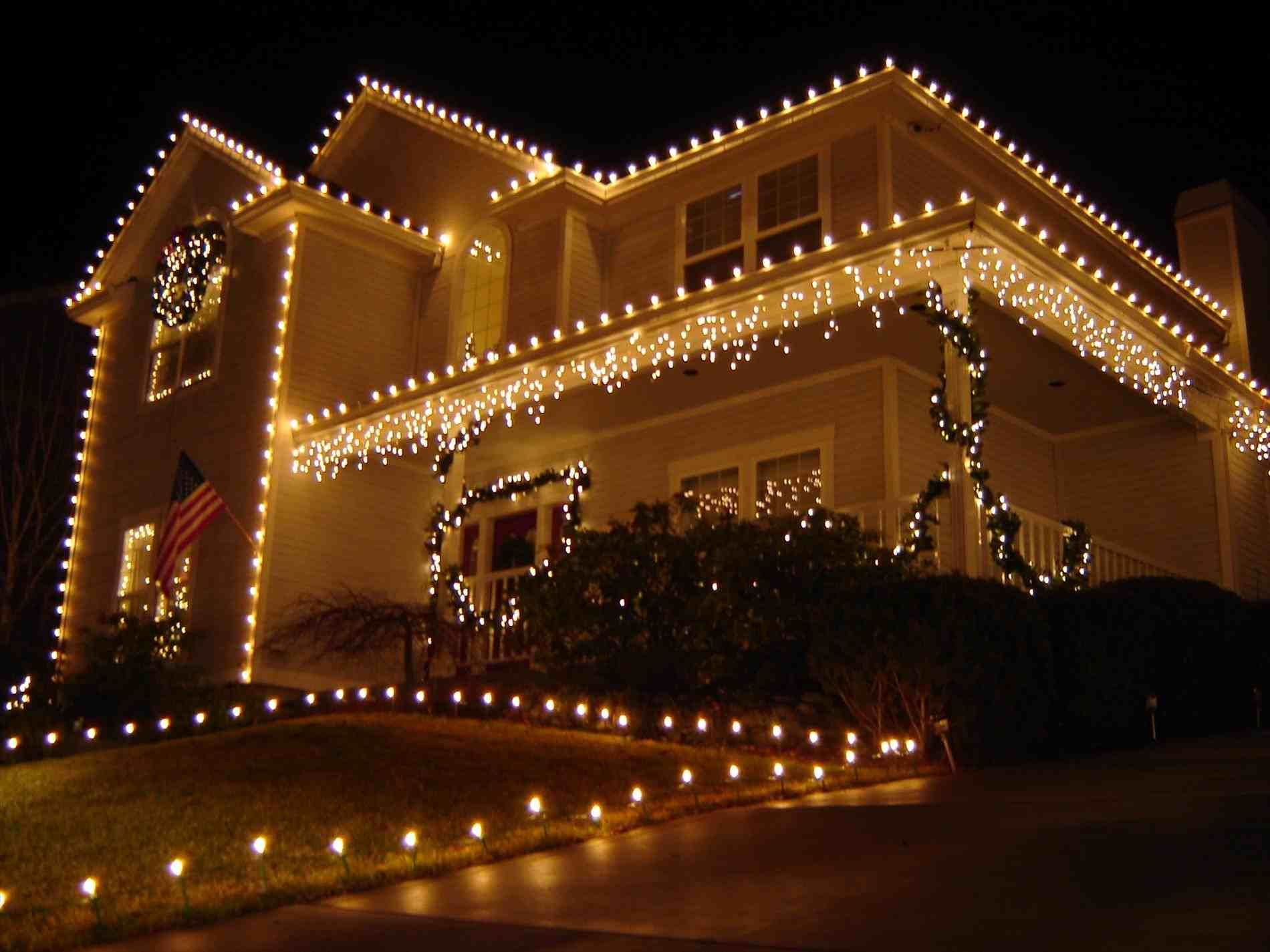 New Post Outdoor Christmas Lights Roof Part 12