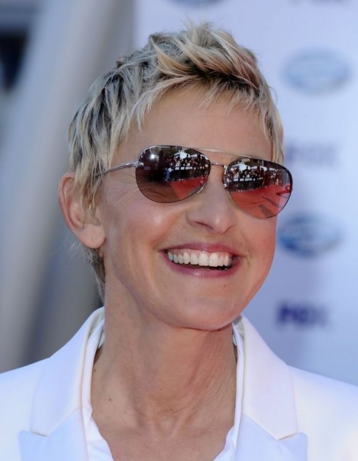 Short Hairstyles for Women Over 60 Who Wear Glasses | Hair ...
