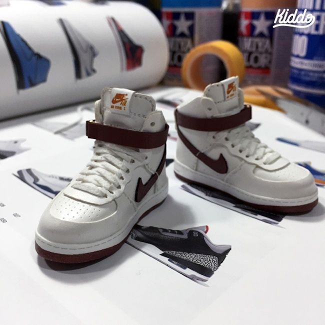Incredibly Detailed 1:6 Scale Miniature Sculptures Of Famous Sneakers by  Toy Designer Kiddo