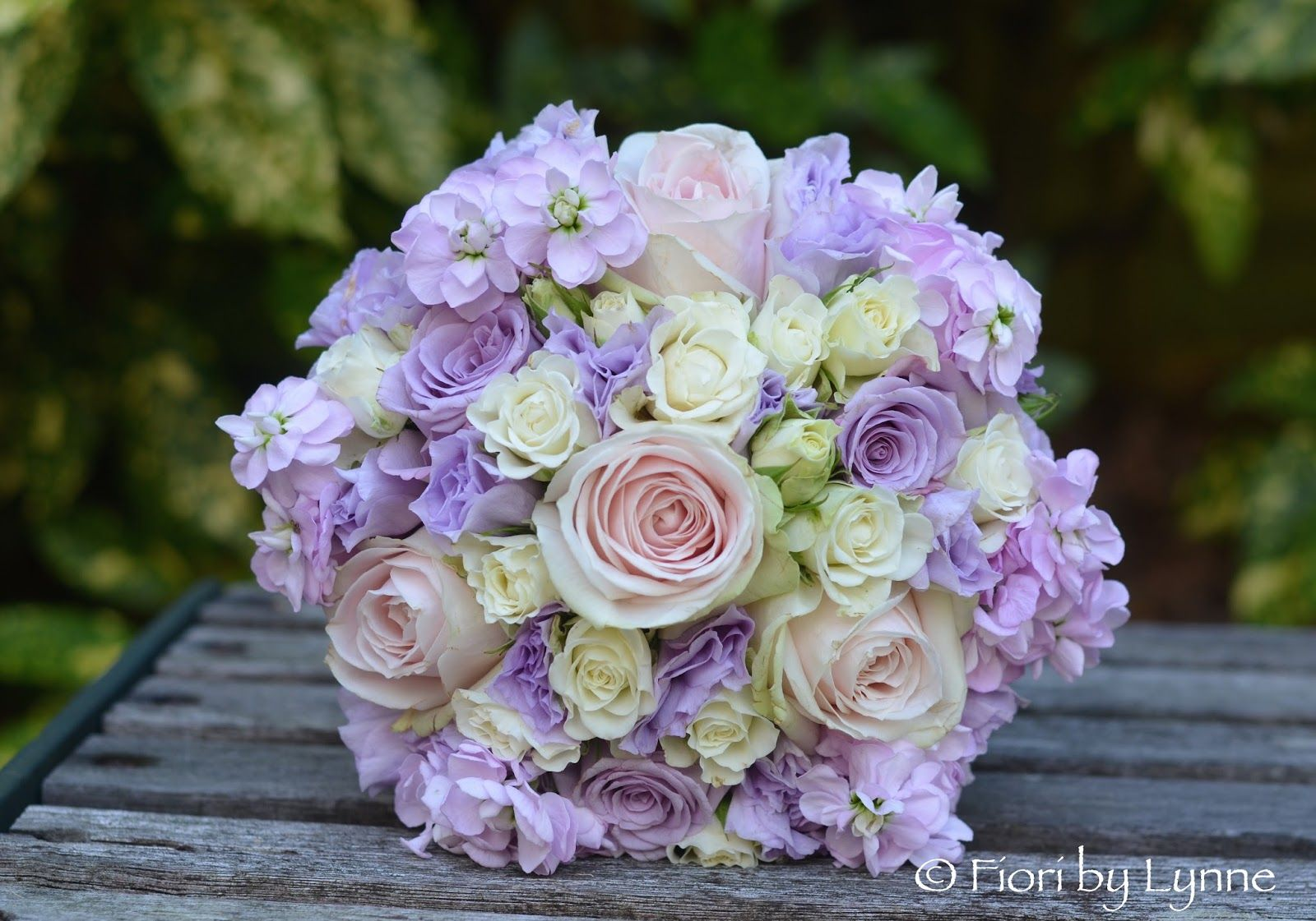 A Gorgeous Summery Scheme In Soft Lilacs And Pinks For An Early July Wedding Laras Bouquet Of Lilac Pale Pink Roses Ivory Sp