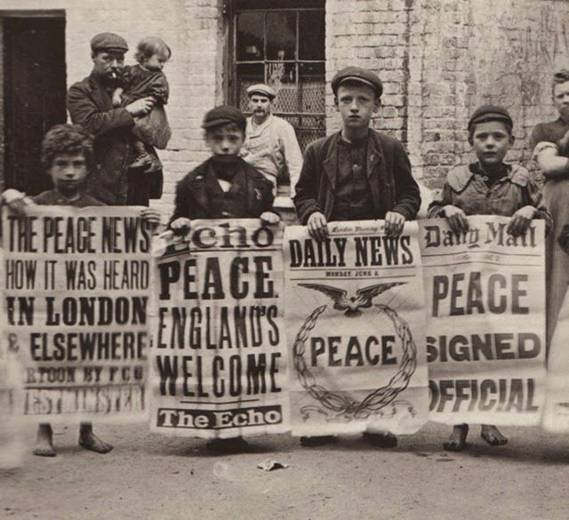 Around 1900, photographer Horace Warner took a series of portraits of some of the poorest people in London - creating relaxed, intimate images that gave dignity to his subjects and producing great photography that is without comparison in his era.