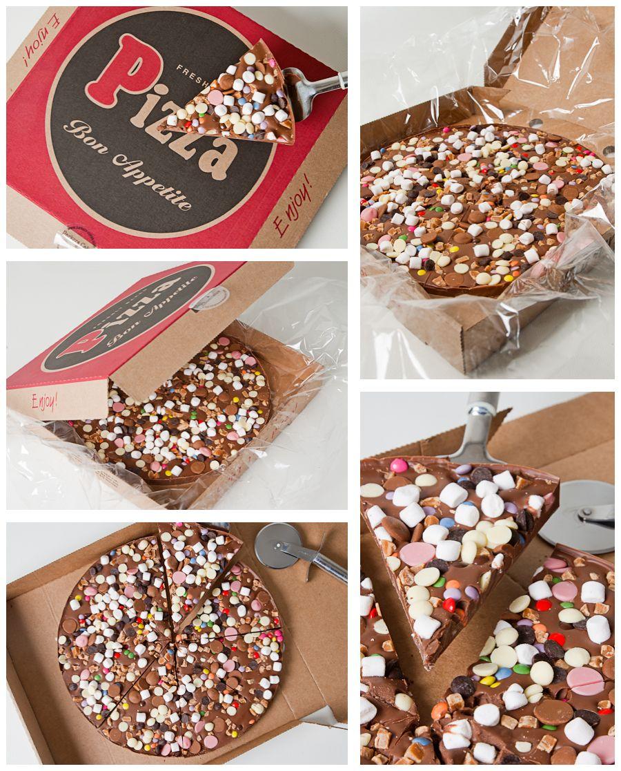 بيتزا الشوكولاتة Food Desserts Sweets