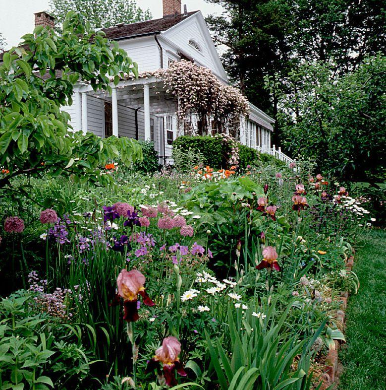 8df95c84efb659358044c27b8ca36992 - Private Gardens Of The Fashion World