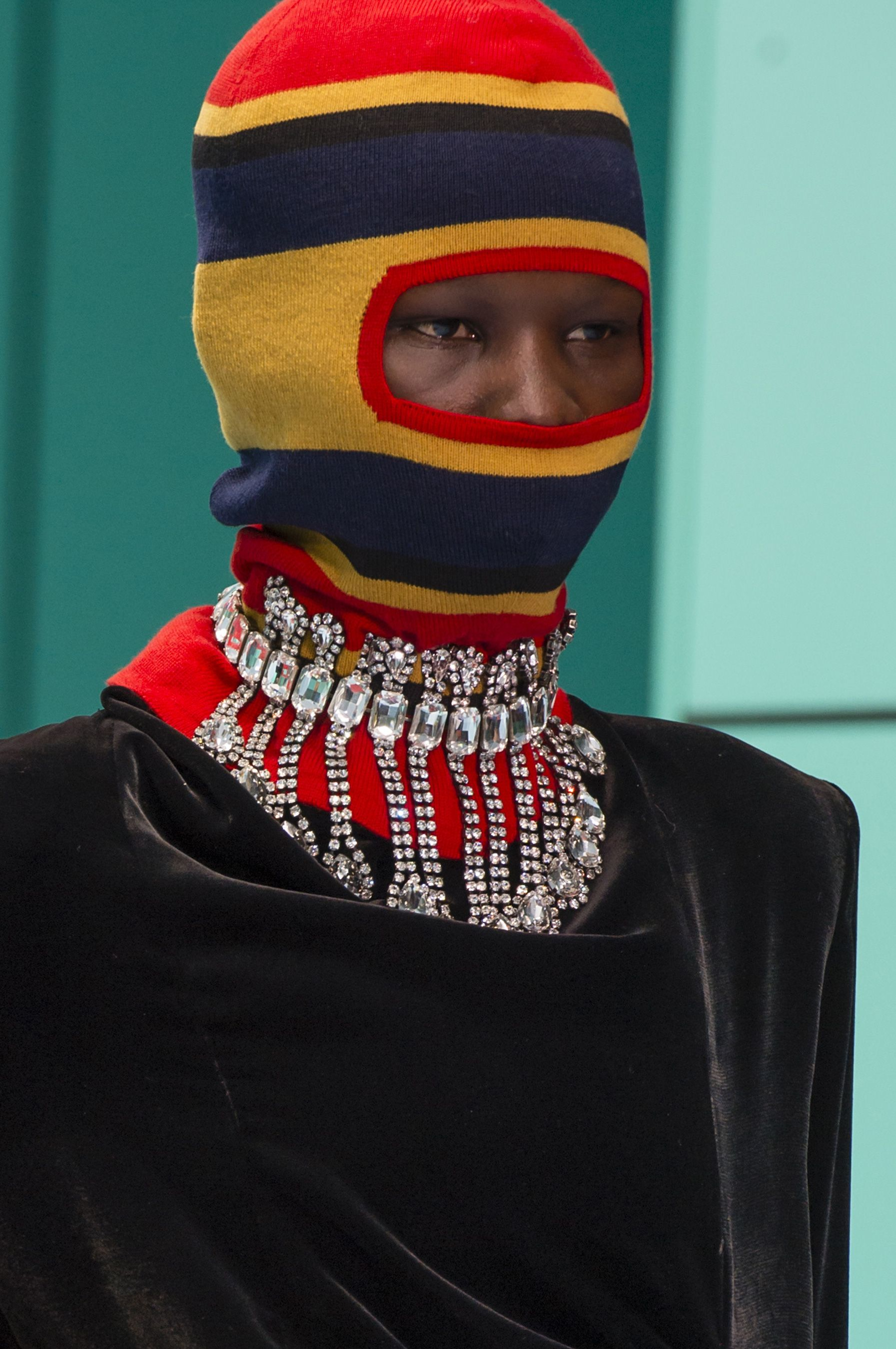 Gucci Fall 2018 Fashion Show Details | unusual accessories ...