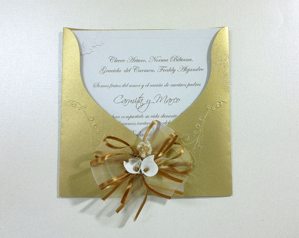 Invitación Para Bodas De Oro Con Sobre Repujado Dorado