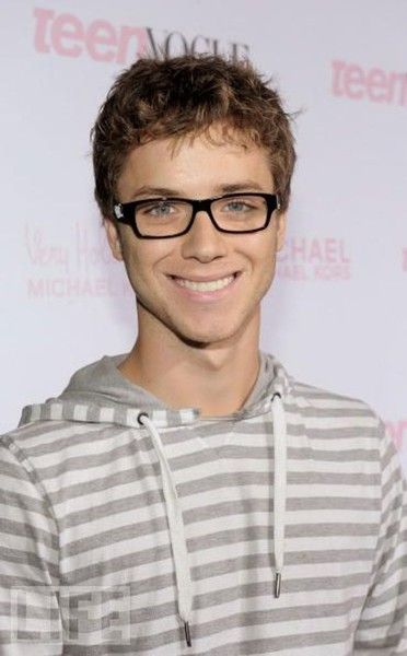 Jeremy Sumpter from Peter Pan. the end.