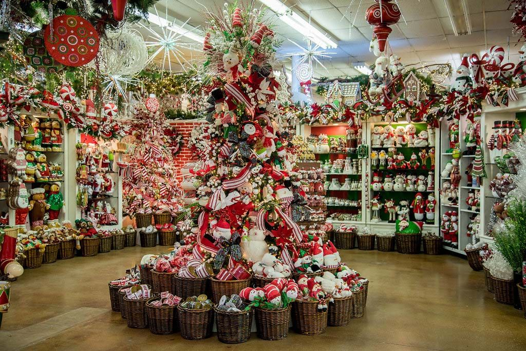 Decorators Warehouse Texas 39 Largest Christmas Store Christmas Store Best Christmas Tree Decorations Christmas Decorations