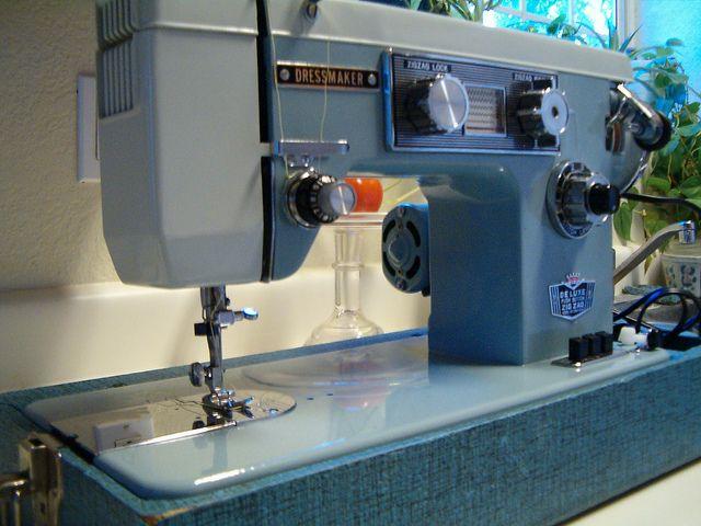 Vintage Dressmaker SWA 40 Sewing Machine Products I Love Own Stunning Dressmaker Sewing Machine Reviews