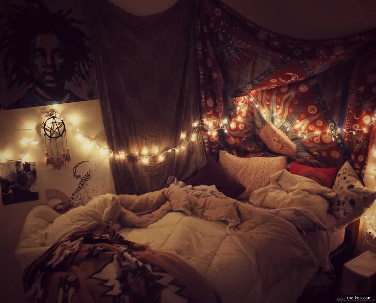 Hipster Bedroom - http://www.theikea.com/ikea-wall-decor-ideas/hipster-bedroom.html