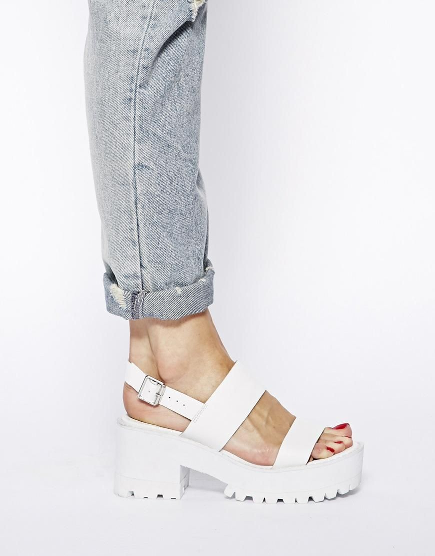a2472fb266 River Island | River Island White Fare Chunky Low Heeled Sandals at ASOS