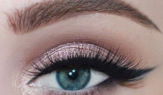 16 Effective Makeup Tricks for Those Moments When