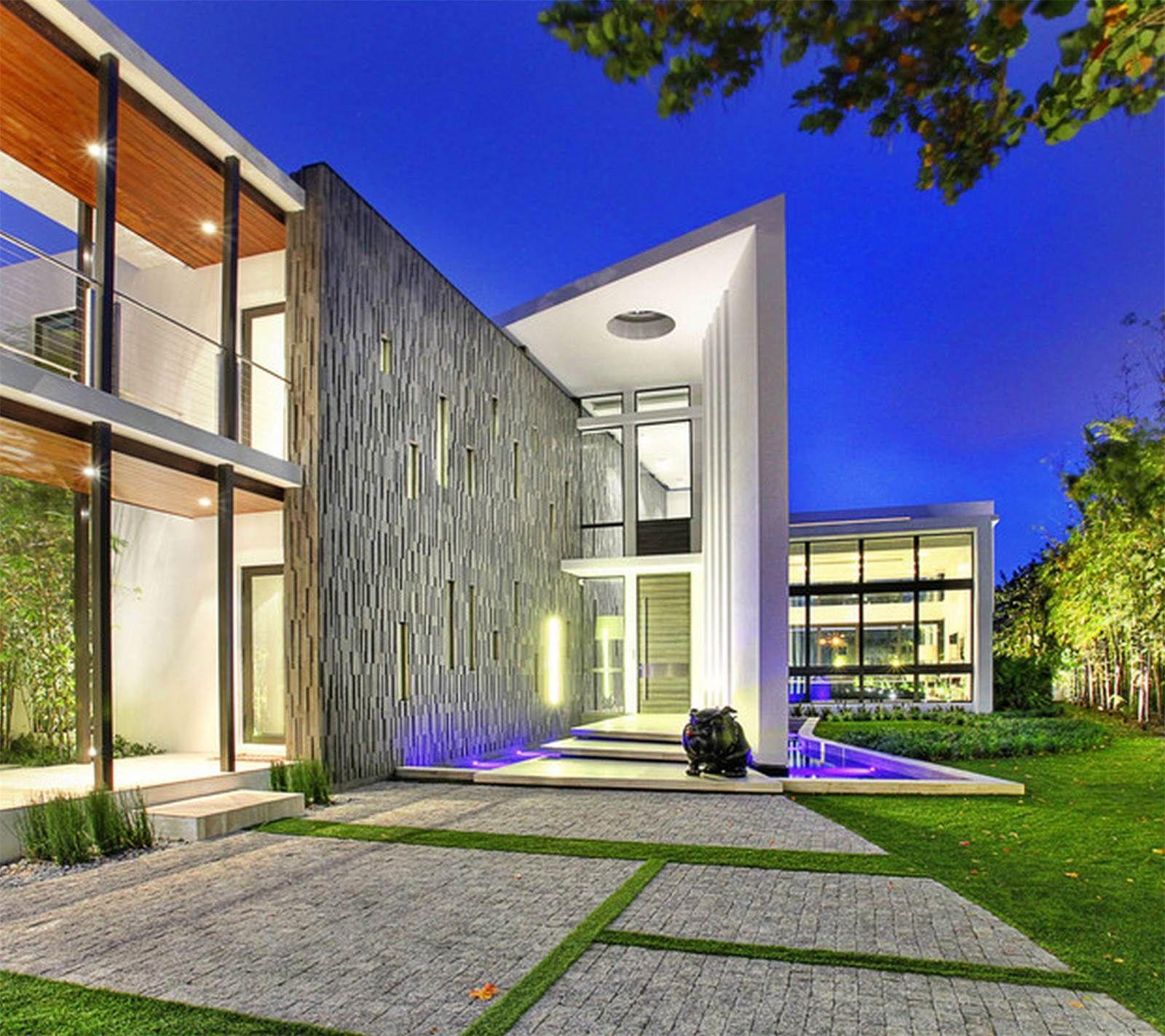 Vea esta casa de lujo situada en 528 Lakeview Ct Miami Beach Florida ...
