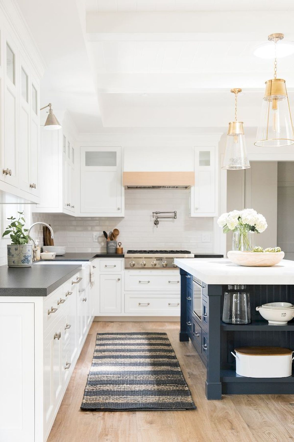 Gallery Photos Kitchen Ideas That Work For Rooms Of All Sizes Yellowraises Kitchen Remodel Small Kitchen Renovation New Kitchen Cabinets