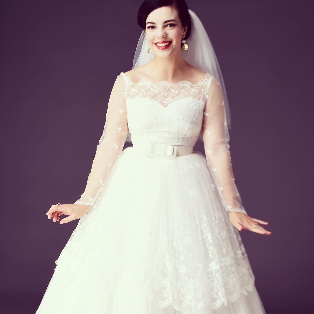 Vintage wedding tea dress  Isnut this embroidered tulle tea length just adorable
