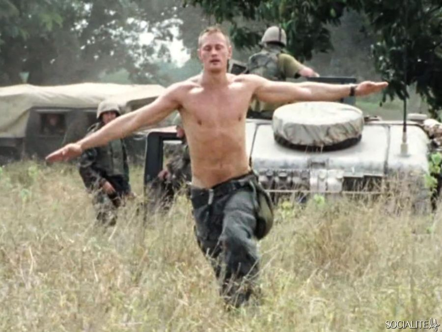 PHOTO GALLERY: Alexander Skarsgard Naked in Generation Kill 15 .