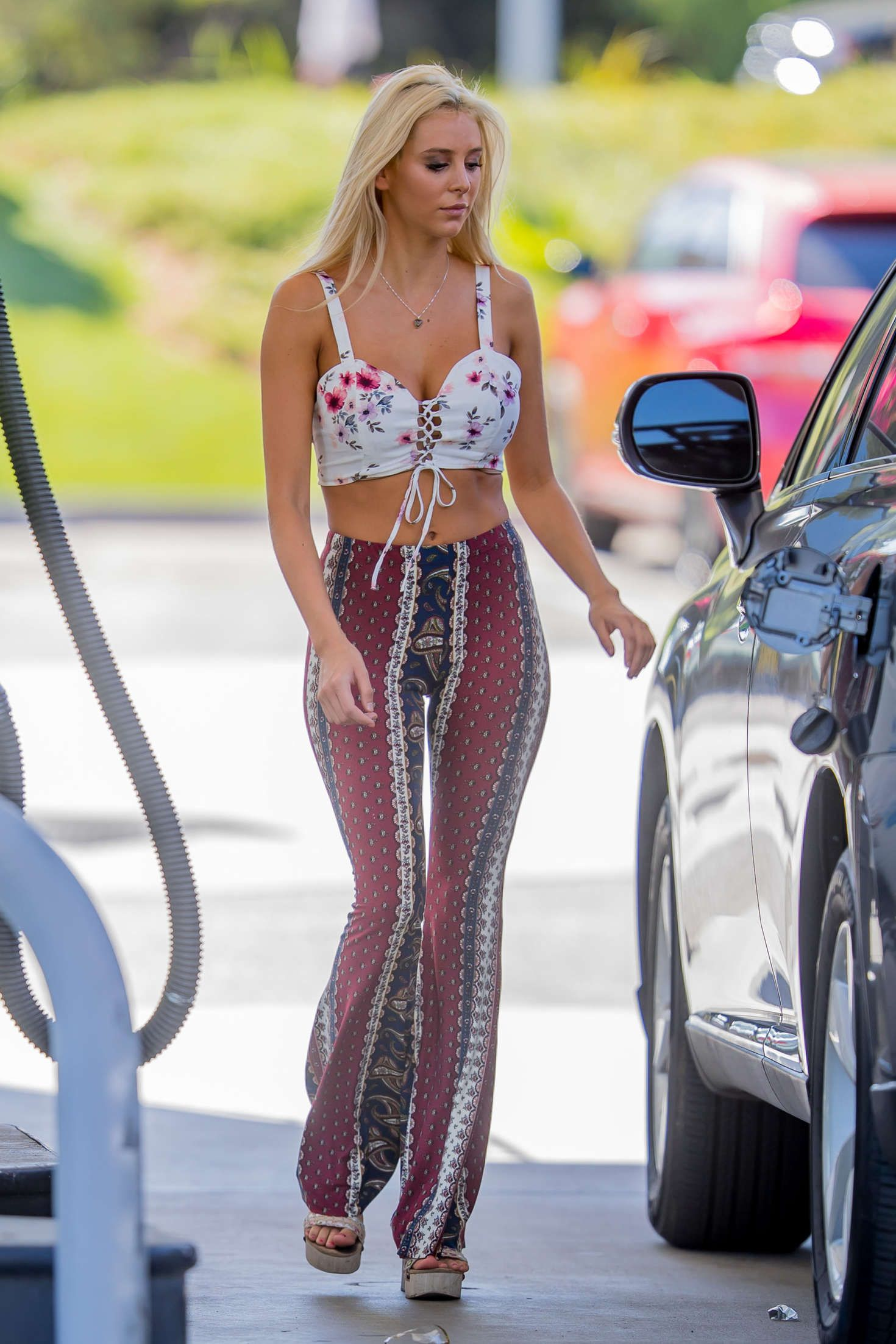 Find A Gas Station >> http://www.gotceleb.com/wp-content/uploads/photos/bri-teresi/at-a-gas-station-in-la/Bri-Teresi ...