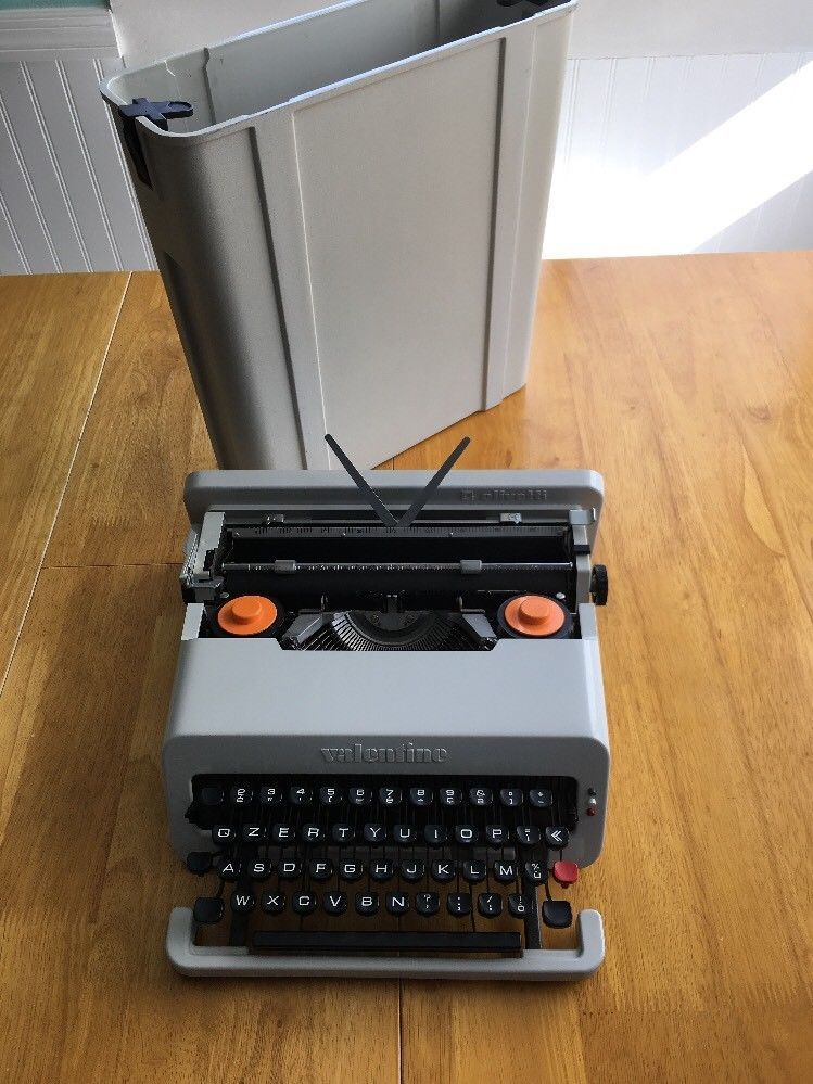 Ultra Rare Gray White Olivetti Valentine Typewriter In Fantastic Condition Ebay Typewriter Ebay Grey