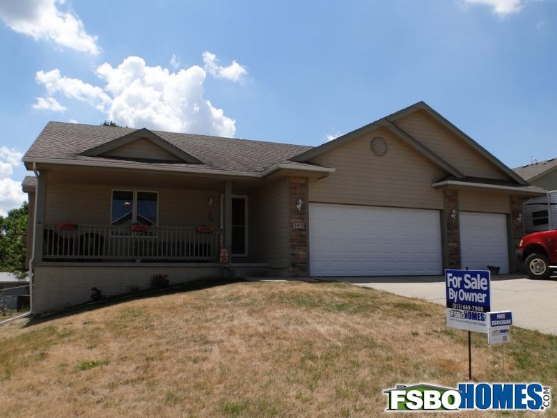 Great Home Located In The Beautiful Town Of Runnells If