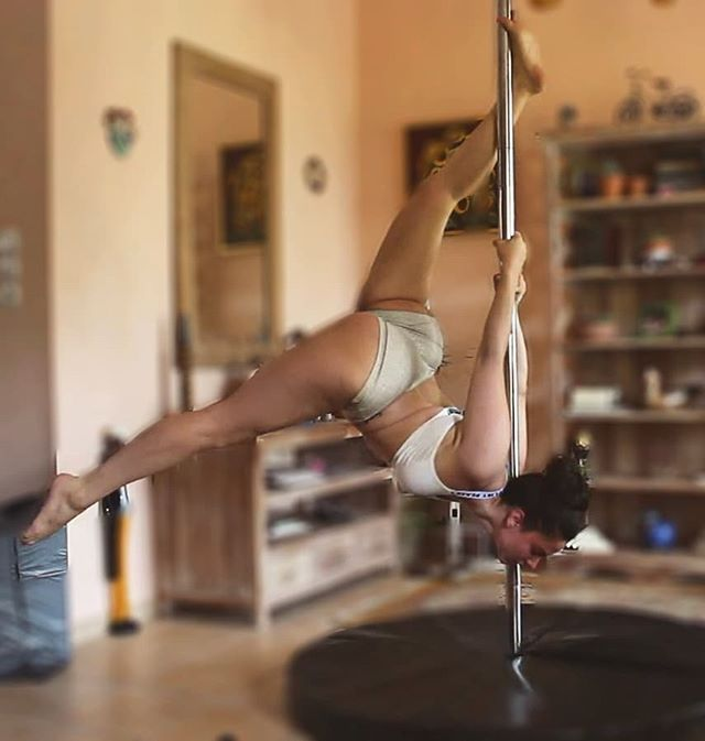Pole Dancing Pole Dancing Pole Dancing Fitness Pole Dance Moves