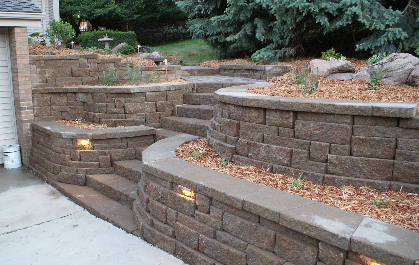 Retaining Walls Decor With Simple Lightning For Innovative And Interesting Retaining Walls Ins Landscaping Retaining Walls Landscape Design Outdoor Landscaping