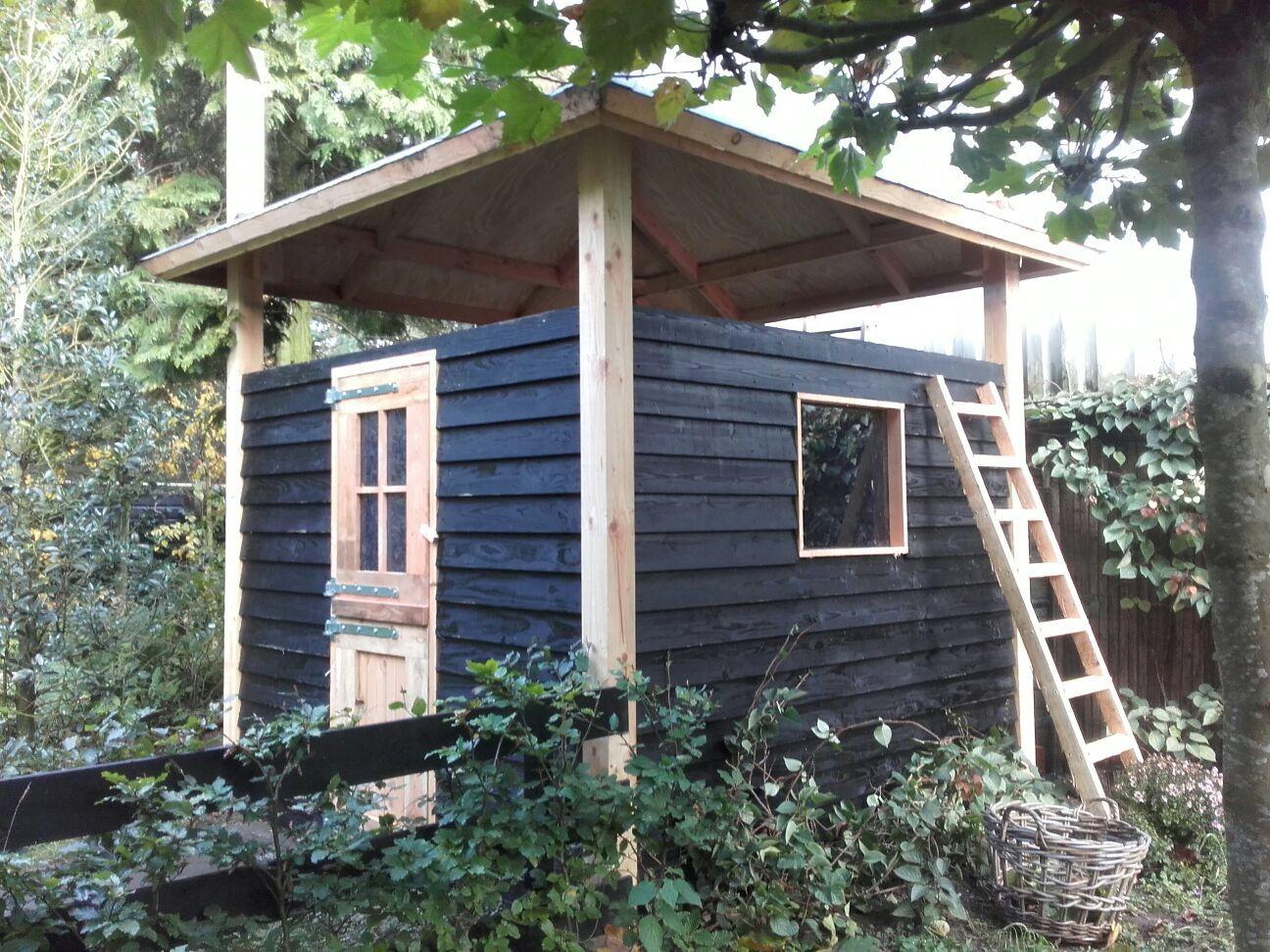 Hooiberg op maat gemaakt van douglas hout te gebruiken als schuur berging dierenverblijf - Eigentijds tuinmodel ...