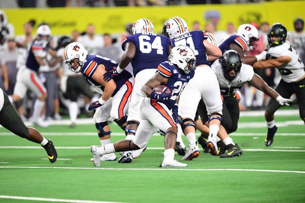 OregonAuburn nailbiter gets college football season off