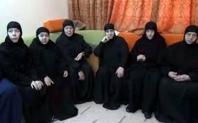 الإفراج عن راهبات احتجزن في سوريا وهن الآن في طريقهن الى دمشق