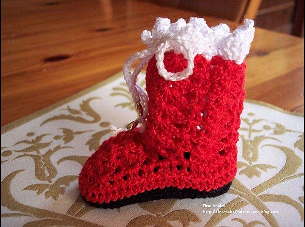 botte noel deco table crochet cadeau crochet. Black Bedroom Furniture Sets. Home Design Ideas