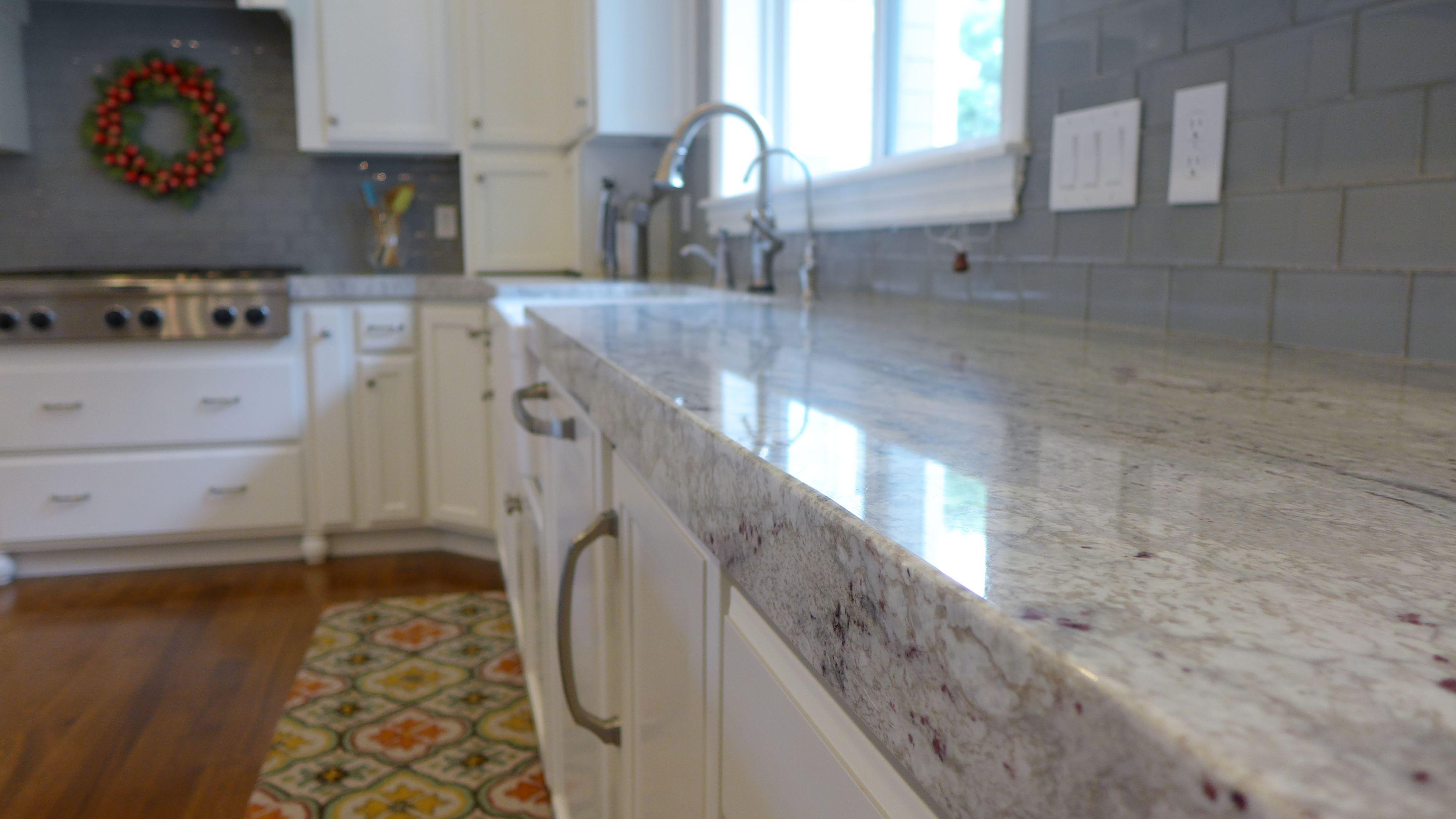 Contemporary River White Granite Kitchen Countertop.