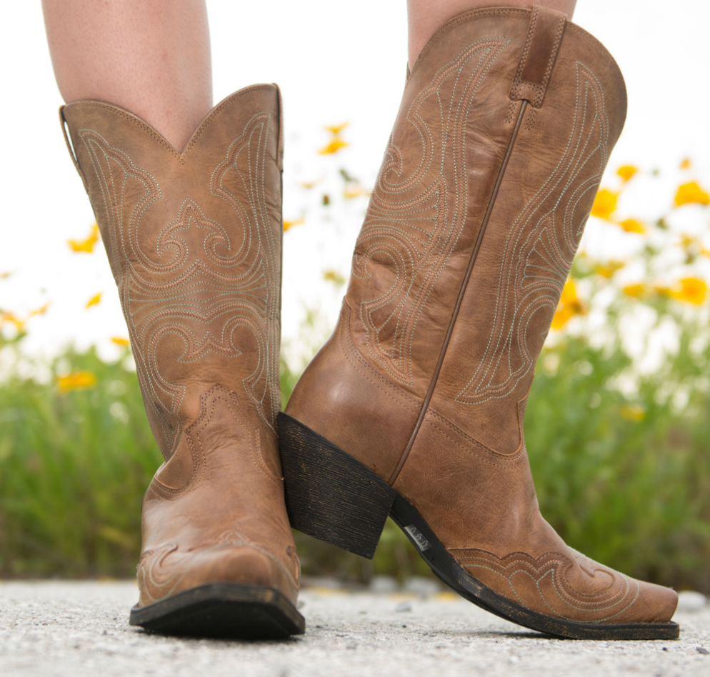 b63f95b51eb Pin by Country Outfitter on Ariat Boots   Boots, Cowgirl boots, Shoes