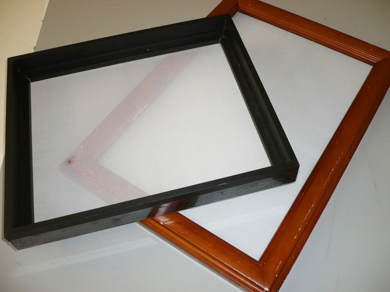 Self made screens with curtains and picture frames. I don\'t know why ...