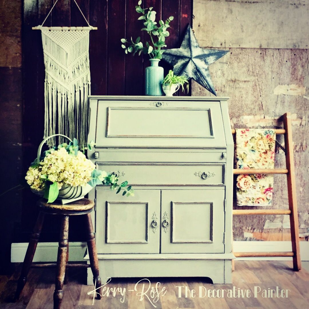 Beautiful oak writting Bureau hand painted in french linen from @anniesloanhome chalk paint .
