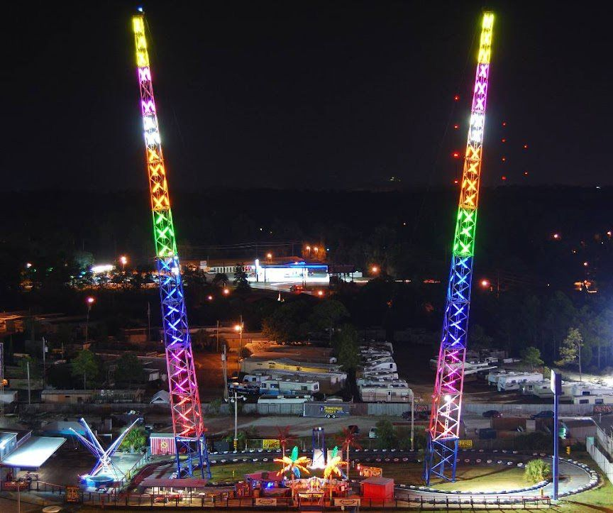 Indy Sdway And Slingshot Amut Park Located On Thomas Drive Rides To Thrill All