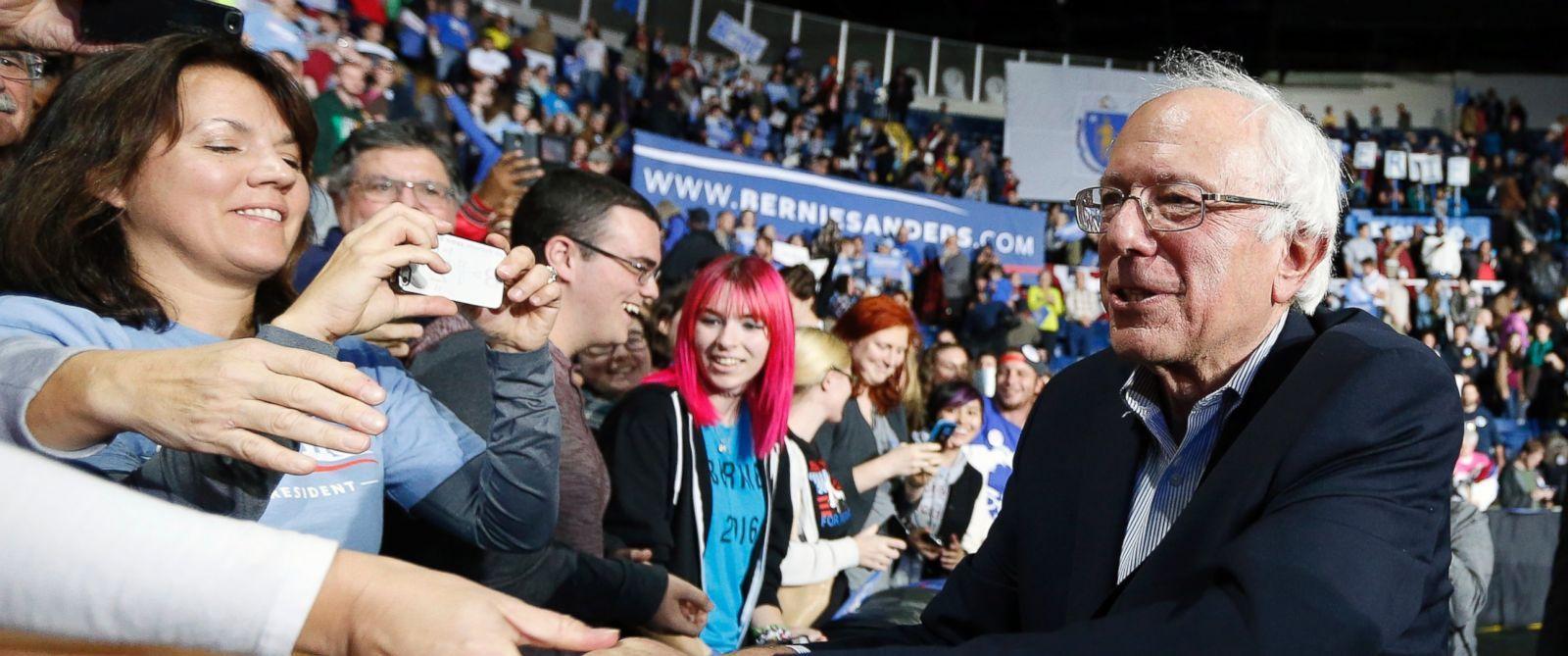 'True Believers' Pack the House for Bernie Sanders