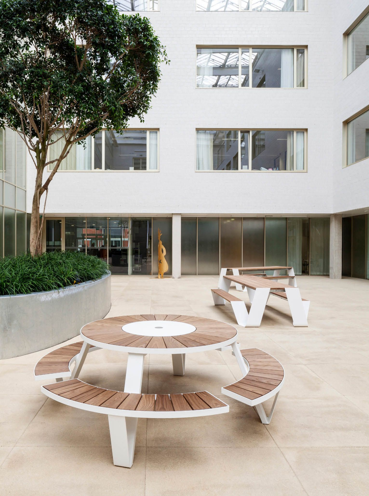 Steelcase partners with Extremis. This new relationship gives customers easy access to Extremis furniture through & Partners with Extremis to Distribute Outdoor Office Furniture ...
