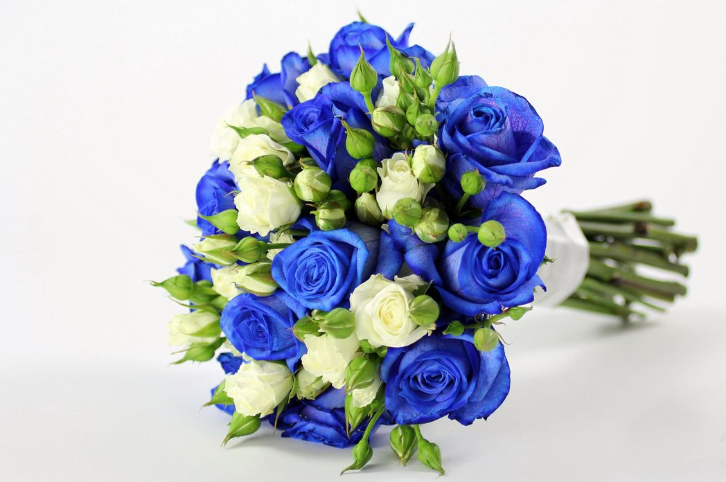 bridal style and wedding ideas perfect royal blue wedding bouquet wedding bouquet pinterest. Black Bedroom Furniture Sets. Home Design Ideas