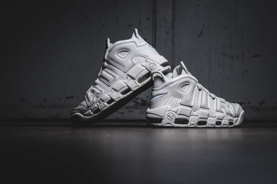 Release Date : July 15, 2017 Nike Air More Uptempo « 96 'Light Bone