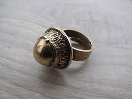 Kuvahaun tulos haulle näyttävä sormus
